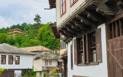 tryavna un coin de rue 20  immo-bulgara